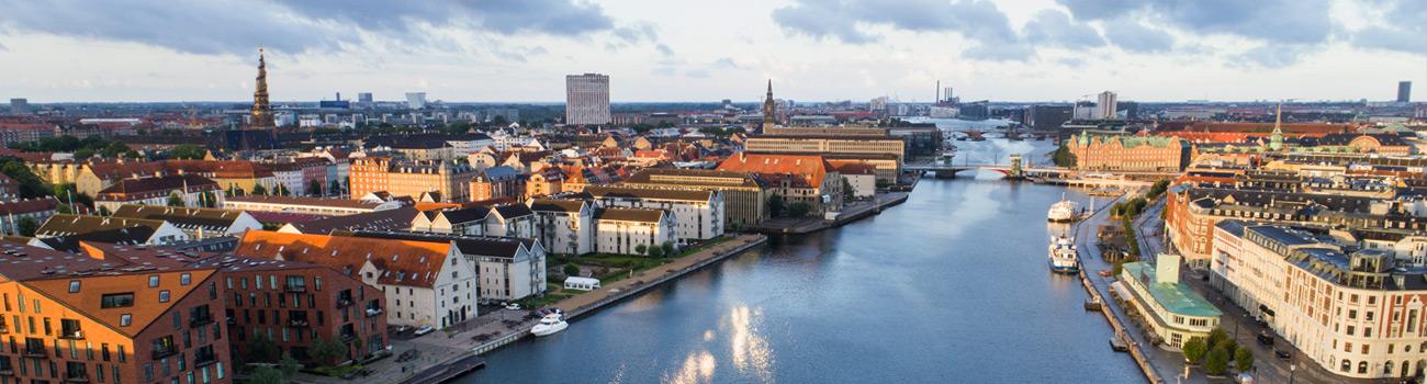 Købenahavn, indesejlingen, view over tagene i indre by